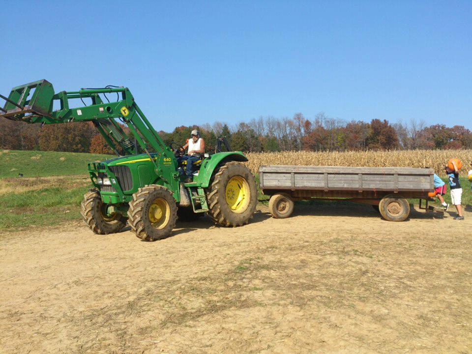 tractor hay ride to pumpkin patch